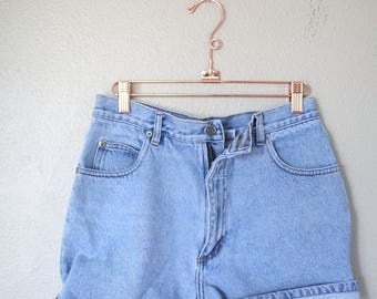 vintage 1990s  high rise waist denim jean shorts 28
