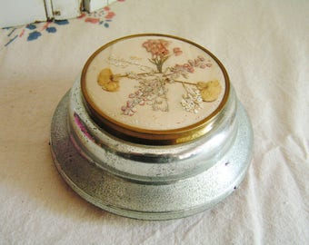 Vintage Dried Flowers Powder Music Box Works Great Plays Some Enchanted Evening Cottage Chic Vanity Box