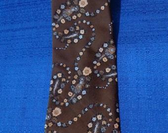 Sale 70's Brittania Brown Floral Tie, Vintage Wide Tie