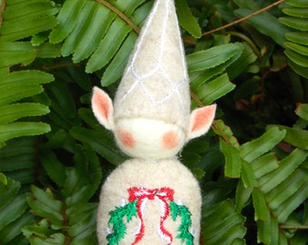 Elf Ornament ~ Decoration ~ Christmas ~ Holiday Stuffed Oatmeal Felt & Christmas Wreath Tummy Decoration Machine Embroidered