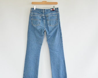 "Women's Tommy Hilfiger Jeans Size 5 Straight Cut Tommy Jeans Loose Fit Jeans 90's mid rise 30"" waist 41"" hips"
