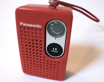 Vintage Panasonic R- 1013 Red AM Transistor Radio - 1970s - Works!