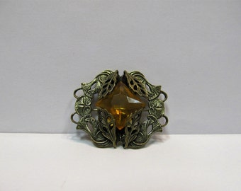Vintage 1920's Golden Ornate Pin W #544