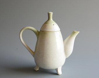 Teapot for three
