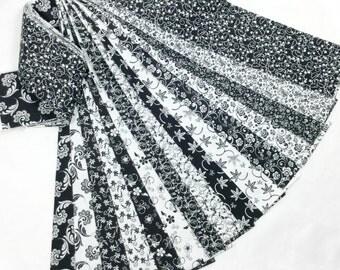 15 Jelly Roll Fabric Strips Classic Black White No Duplicates CBW15