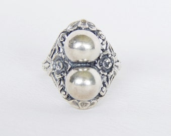 Ornate Vintage Sterling Silver Ring With Two Orbs And Open Floral Design - Size 7