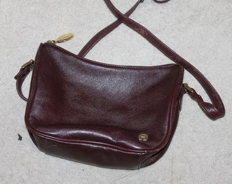 Vintage A Etienne Aigner Authentic Purse, Adjustable Strap, Made of Leather, Maroon, Small Purse, Brass Fittings, Adjustable Strap, Fashion