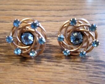 Vintage 12k gold aquamarine blue rhinestone love knot screw back earrings - estate jewelry