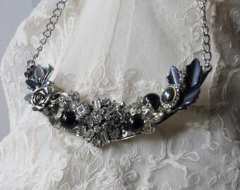 STUNNING STATEMENT NECKLACE/ Elegant/ Rhinestones/Statement Jewelry/Necklace/Black Magic/Vintage Jewel