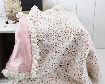 Crochet Baby Blanket Girl, White Crochet Blanket, Vintage Baby Afghan, Granny Square Afghan Baby Blanket, Vintage Nursery Girl Decor - E301