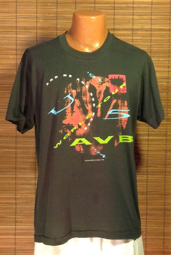 Vintage 1997 Large Trace Adkins Souvenir Concert T-Shirt. Black Fruit of the Loom Heavy Cotton Brand, 100% preshrunk cotton. Terrific graphi