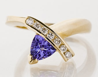SALE 20% OFF! - Vintage Ring - Vintage 14k Yellow Gold Tanzanite and Diamond Ring