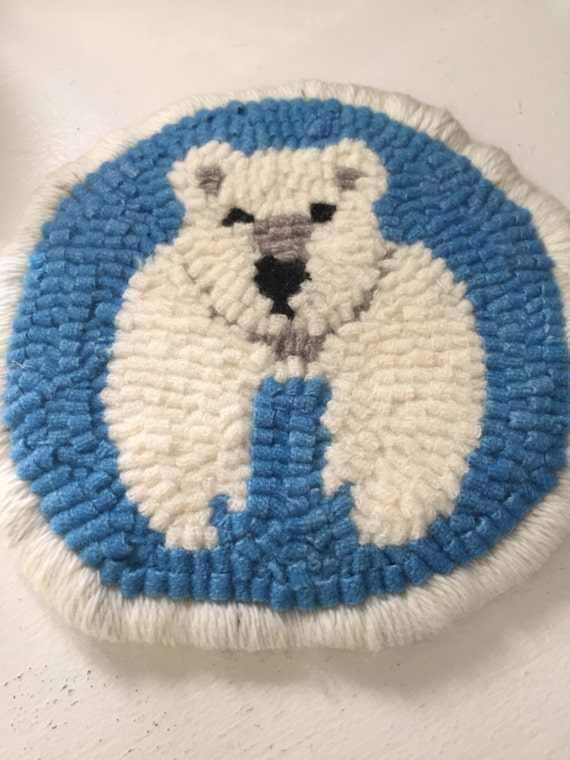 Round hooked mug rug, polar bear, approximately 5 in diameter, gift, stocking stuffer , cottage, ski house