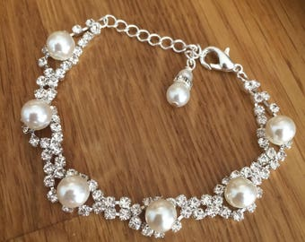 Diamante and pearl wedding bracelet Rhinestone and pearl bridal bracelet 925 Sterling Silver clasp sparkly crystal & pearl wedding jewellery
