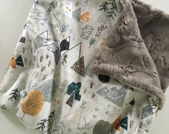 Mountain blanket, Adventure outdoor Baby Blanket, minky Baby Blanket, hipster Nursery, arrows baby bedding, mountains, modern baby gift