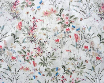 Fabric - Pansy floral fine cotton lawn - dressmaking fabric