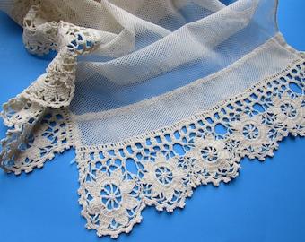 Lace Net Runner Lacy Valance Romantic Style Linen Cottage Style Runner Cream Tone Net Vintage Home Decor Scallop Edge Crochet Mantle Lace