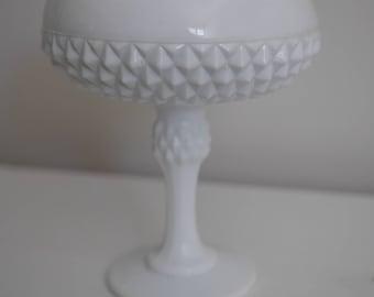 Vintage Milk Glass White Vase -5.00 SHIPPING