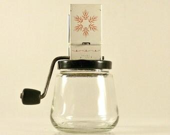 Vintage Androck Nut Grinder Red Leaf Design/Nut Grinder Snowflake Design/Vintage Nut Grinder/Vintage Kitchen Decor/Vintage Hand Appliance