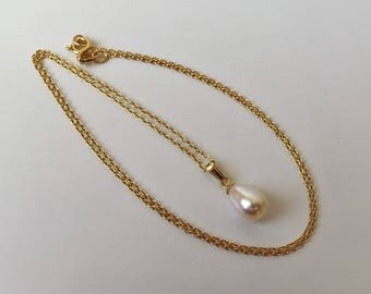 9ct Gold over Sterling Silver Freshwater Pearl Pendant Necklace.