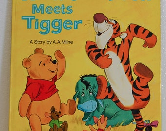 Walt Disney Winnie the Pooh Meets Tigger Big Golden Book A.A. Milne 1971 edition