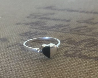 Size 5 3/4 Sterling Silver Black Onyx Heart Ring 1.4 Grams