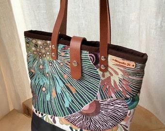 Shoulder bag wool & leather coral