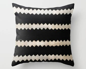 Authentic Mudcloth Pillow, Mali Bogolanfini, Black, Cream, Zigzags