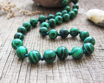 Gifts for grandma Malachite necklace Healing jewellery Stone necklace Balance necklace Protection necklace Bead necklace Scorpio birthstone