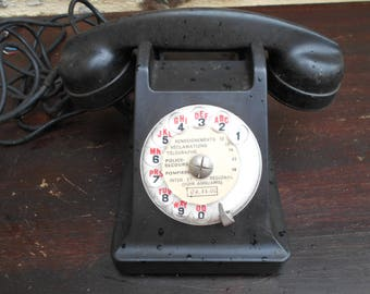 REDUCED from 80 to 55e Vintage 1950's Retro French Black Bakelite Telephone