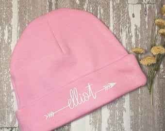 Personalized baby hat with name, Newborn custom hat with arrow font