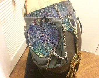 Utility Belt Stamped Paisley with extra Clips