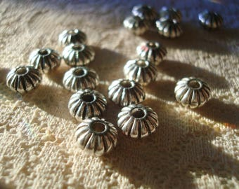 30 Big Silver Fluted Rondelles. Antiqued, Wide Metal Rondelle Spacers. 8x5mm Quality,Heavy Vintage Style Spacer For Large Beads.  2mm Hole