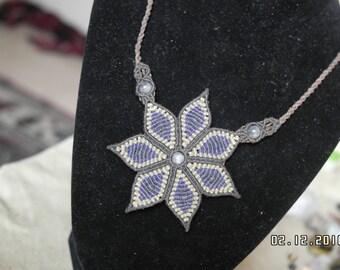 Flower macrame necklace