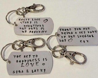 Wedding favor gifts - unique wedding favors - Thank you gift - Wedding party gift - Gift for guests - keychain - keychains - wedding table