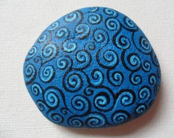 Blue black swirl hand painted large English beach pebble paperweight
