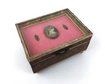antique Florentine box, trinket box, jewelry box, presentation box, trousseau box