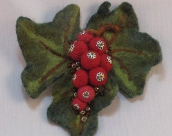 Felted brooch, Red Berries Wool Brooch, Red Currants Felted Brooch