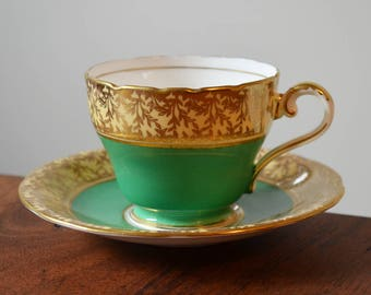 Antique Green Aynsley England Tea cup and Saucer - Bone China Kelly Green with Gold edging