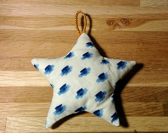 Decoration Christmas Star / for the christmas tree or your house / vintage / several fabrics available