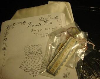 ANTIQUE DRESS #1047