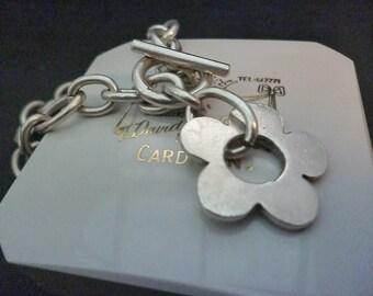 A chunky sterling silver T-bar flower bracelet - 925 - sterling silver - 7 inch