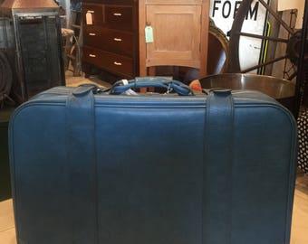 Vintage retro 1970's suitcase