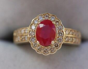 Splendid Vintage 14 Carat Gold Ruby Diamond Ring 5.28 Grams.