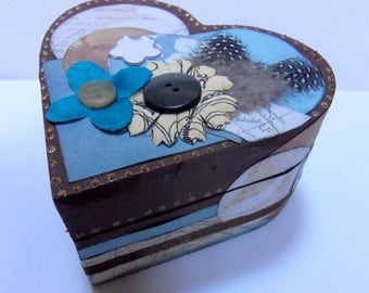 Box elegant wooden wrecked in chocolate and turquoise heart shaped
