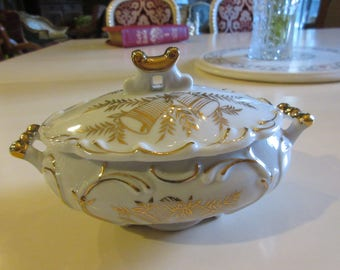 GOLDEN WEDDING ANNIVERSARY Dish with Handles and Lid