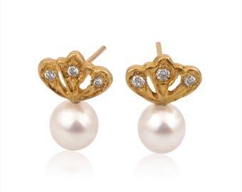 14k solid gold Pearl diamond earrings ,yellow gold pearl and diamond stud earrings ,solid gold pearl diamond post earrings,diamond studs.