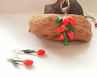Tulips set pendant tulip earrings red tulip jewelry polymer clay jewelry red flowers gift for her red jewelery tulip necklace green jewelry