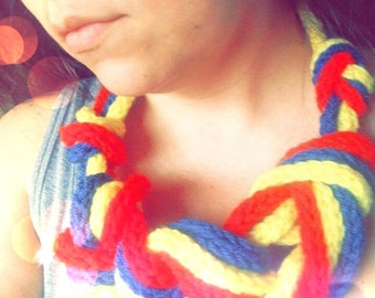 crocheted cord knoted Necklace