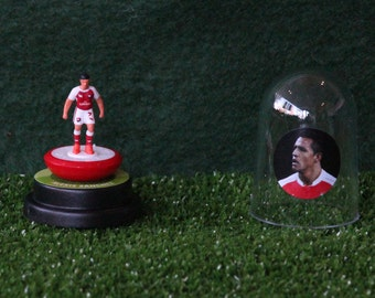 Alexis Sanchez (Arsenal)  - Hand-painted Subbuteo figure housed in plastic dome.